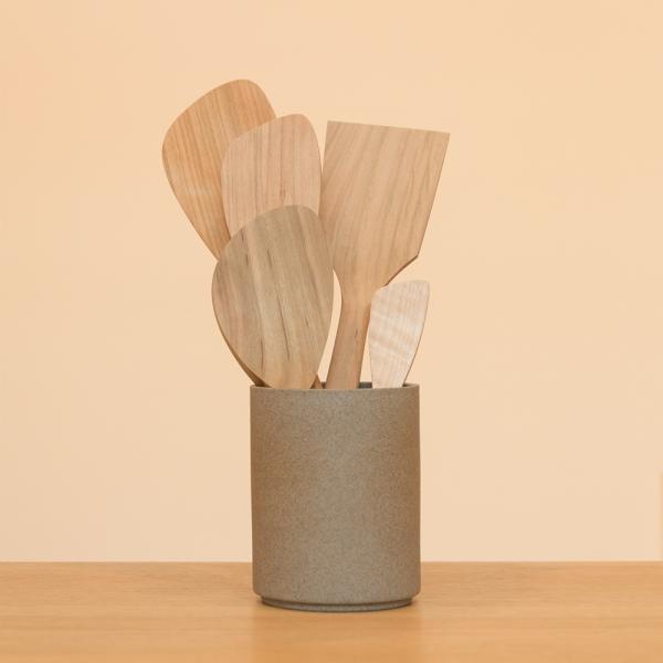 Small scraper spatula